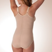 Mid Body Support with Wireless* Contouring Bra featuring Self-Adjusting Cups