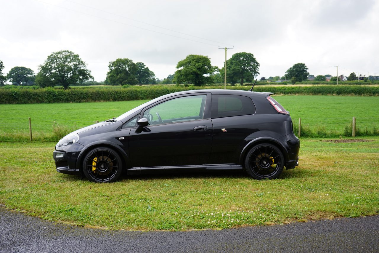 abarth punto evo 1 4 t jet supersport 3dr pocket rocket. Black Bedroom Furniture Sets. Home Design Ideas