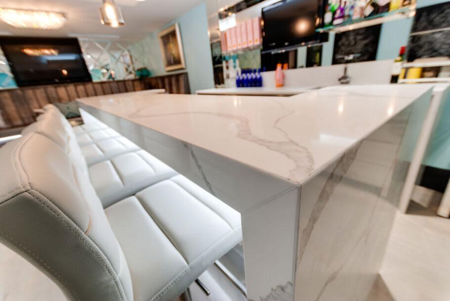 Itastone Calacatta Quartz Basement Bar